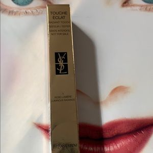 New YSL Touché Eclat Radiant Touch shade 1